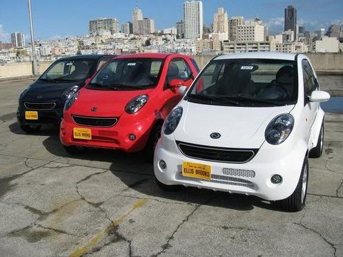 新款双环小贵族电动车采用30千瓦时电池组,电动机最大输出高清图片